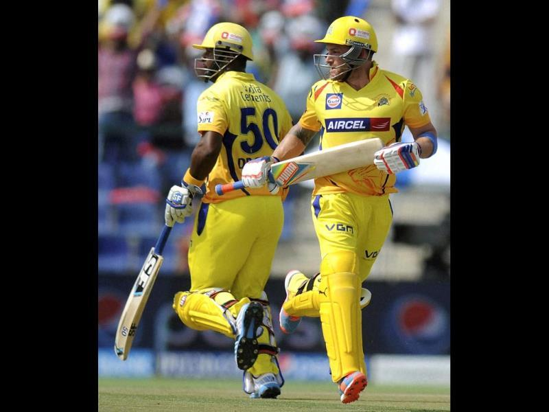 Brendon McCullum and Dwayne Smith of Chennai Super Kings in action during their IPL 7 match against Kings XI Punjab at the Al Zayed Cricket Stadium, Abu Dhabi. (PTI Photo)