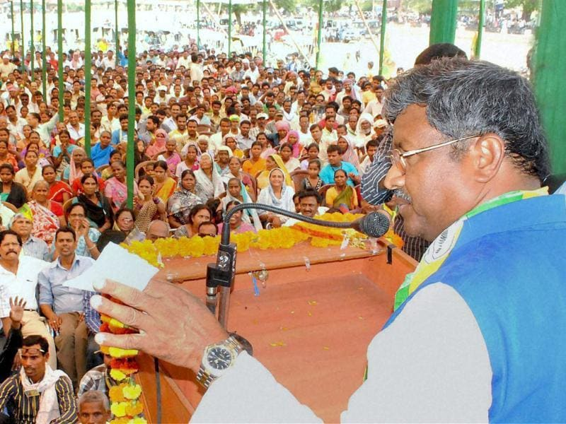 Babulal Marandi, founder and national president of the Jharkhand Vikas Morcha, attends an election rally in Bokaro. (PTI photo)