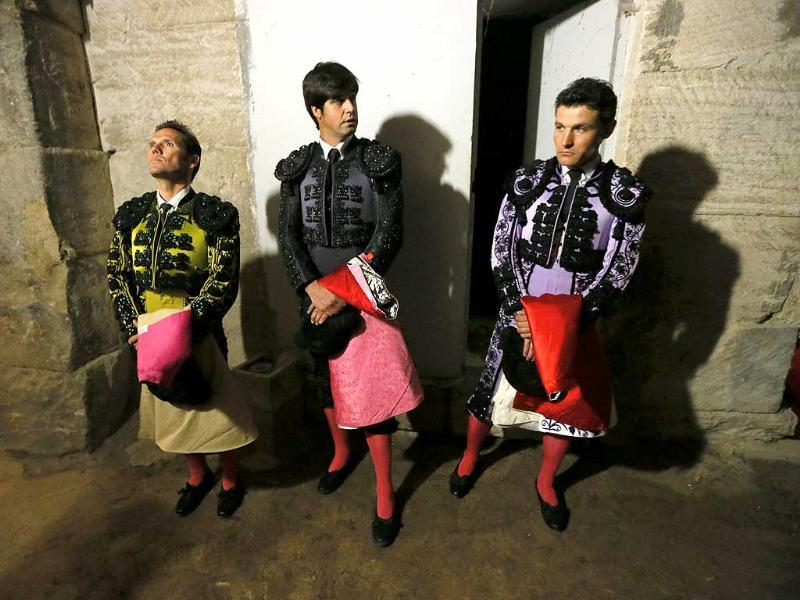 Members of the Cuadrilla of Mexican bullfighter Joselito Adame wait before entering the arena during the traditional Easter Feria in Arles, Southern France (Reuters Photo)