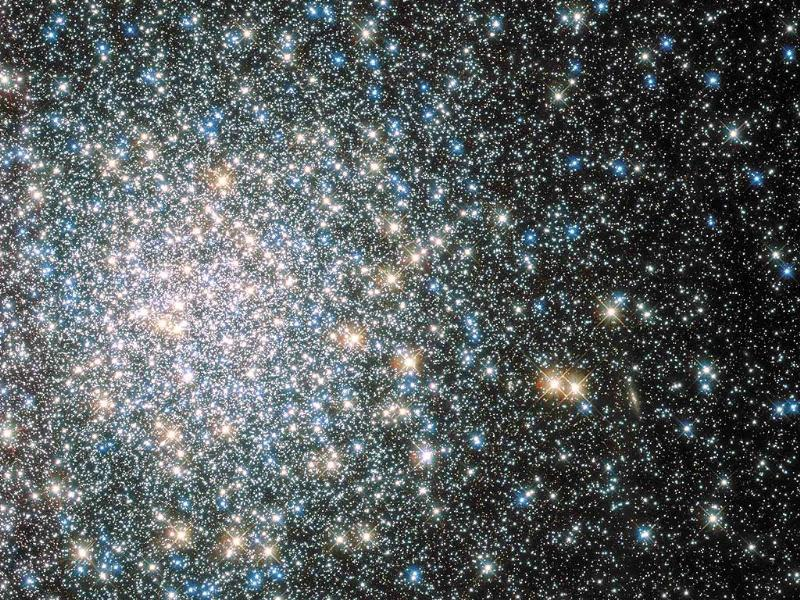 A globular star cluster called Messier 5 (M5) containing 100,000 stars or more and packed into a region around 165 light-years in diameter is seen by NASA's Hubble Space telescope. (Reuters photo)