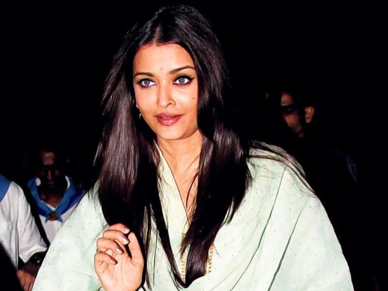 Aishwarya Rai Bachchan at a musical tribute ceremony in memory of Sri Sathya Sai Baba in Mumbai.