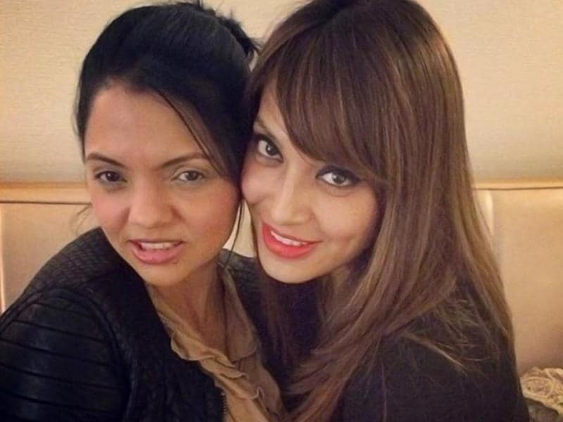 Bipasha Basu clicks a selfie with best friend Susie in NYC.