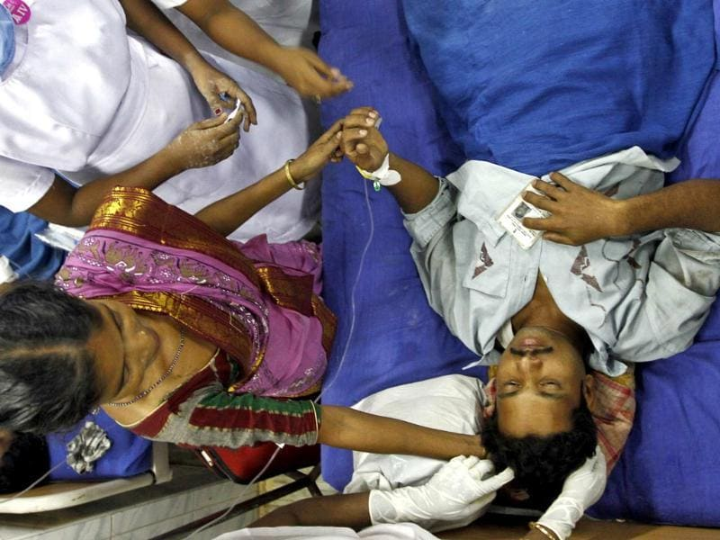 A victim, who was injured in an explosion that occurred in a passenger train, lies in a hospital in Chennai. (Reuters photo)