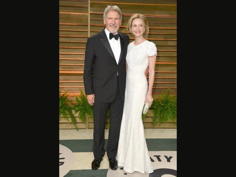 Harrison Ford and Calista Flockhart met at the Golden Globe Awards on January 20, 2002 and got married 8 years later on June 15, 2010, in Santa Fe, New Mexico. The couple have a huge age difference of 22 years.