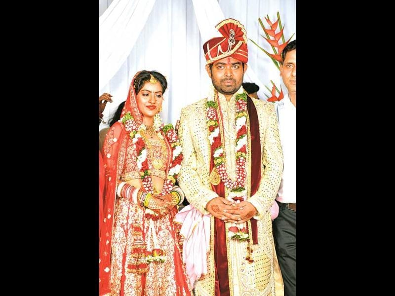 TV actor Deepika Singh tied the knot with Rohit Goyal, the director of her show, at a wedding ceremony in Mumbai. Many television celebrities attended the event including co-stars from her show. (HT Photo)