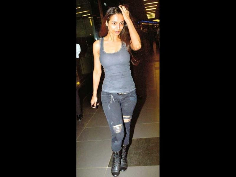 Malaika Arora Khan: The jeans fit well, but how boring is the rest of her look?Our rating: 4/10