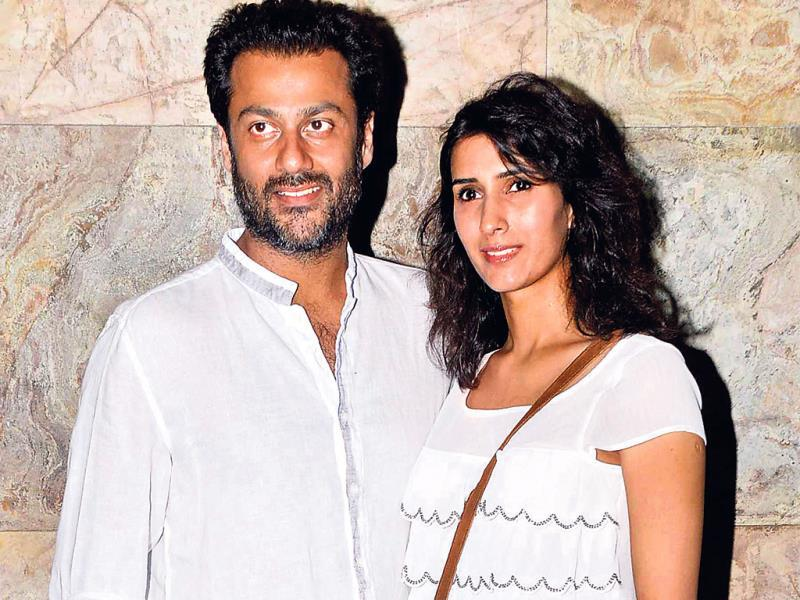 Abhishek Kapoor, along with his fiancée, Pragya, attended a movie screening in Juhu. Going by Abhishek's attire, we wonder if he came straight from a beach holiday.