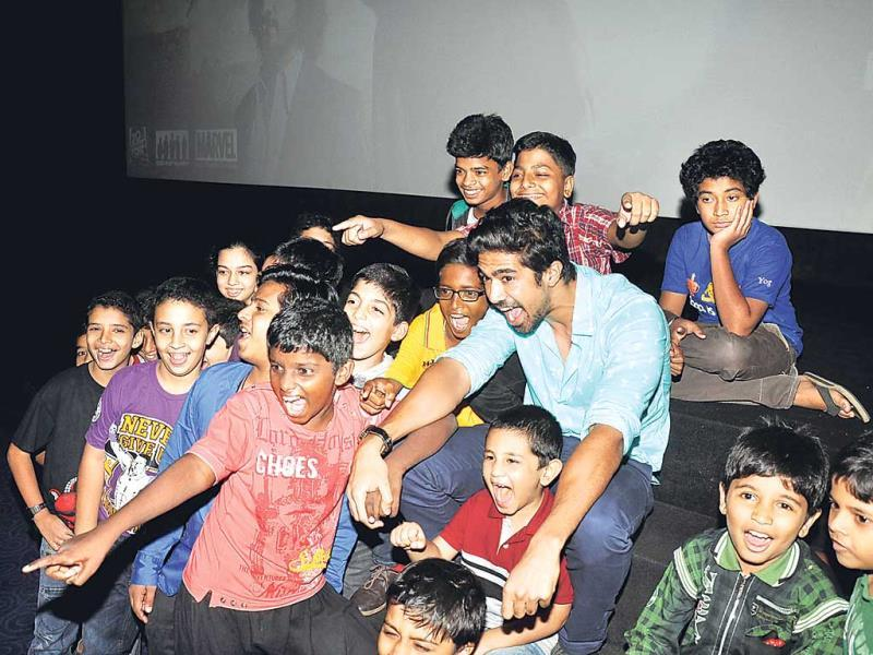 Actor Saqib Saleem was spotted with his kid fans at a film event. (HT PHOTO)