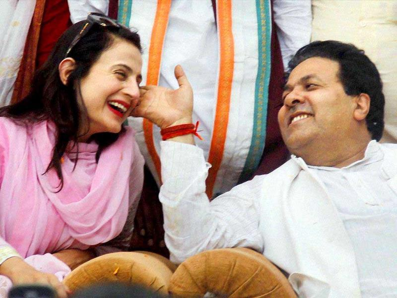 Amisha Patel had some fun moments with senior Congress leader Rajeev Shukla during an election campaign rally in Allahabad.