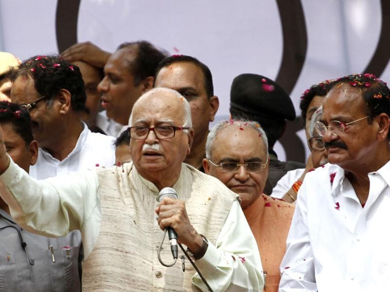 Senior BJP leader LK Advani addressing to supporters after the Party win in Lok Sabha Polls in New Delhi. (PTI)