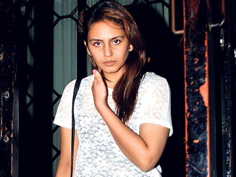 Huma Qureshi was seen stepping out of a Bandra eatery. (Photo: Prodip Guha)