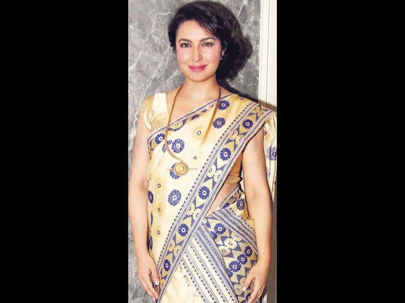 Love for North East: Tisca Chopra was spotted in a tradiitional avatar dressed in Mekhla Chadar. (HT Photo)