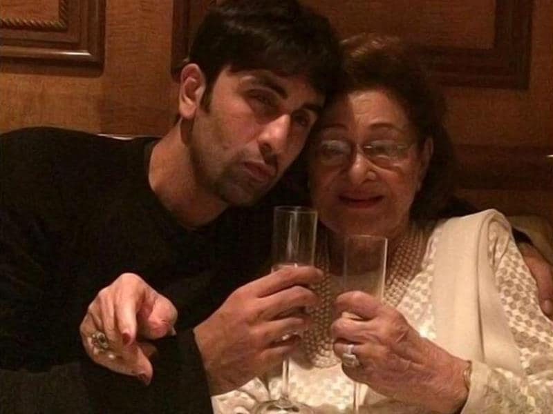 Ranbir Kapoor enjoys a drink with Dadi, Krishna Raj! His mother Neetu Kapoor posted the pic on Instagram.