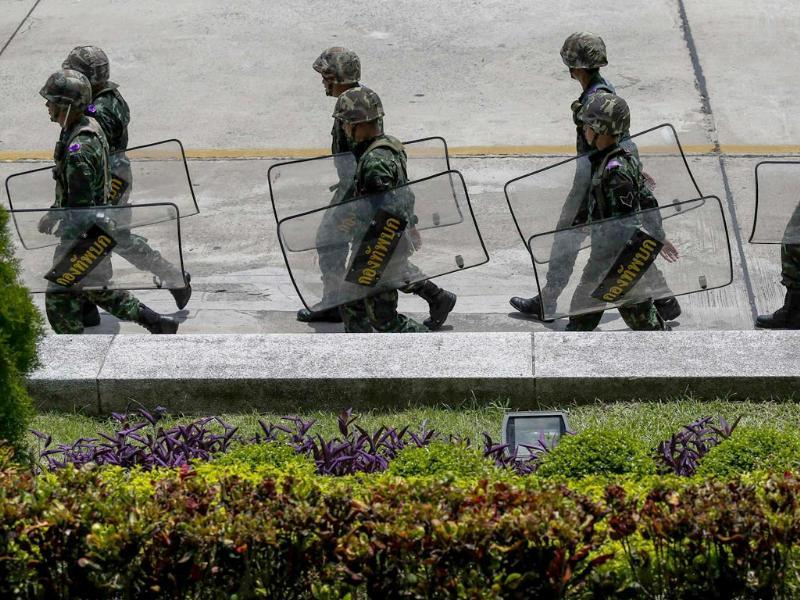 Thai soldiers walk inside a compound of the Army Club after the army declared martial law nationwide to restore order, in Bangkok. (Reuters photo)