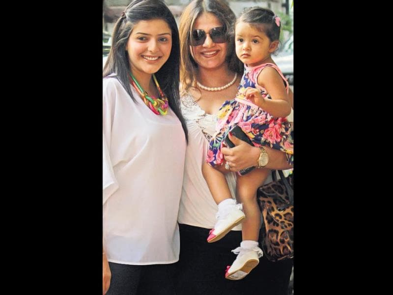 Kiran Bawa with her sister-in-law Kalpana along with her daughter at Vivaan's birthday party. (HT PHOTO)