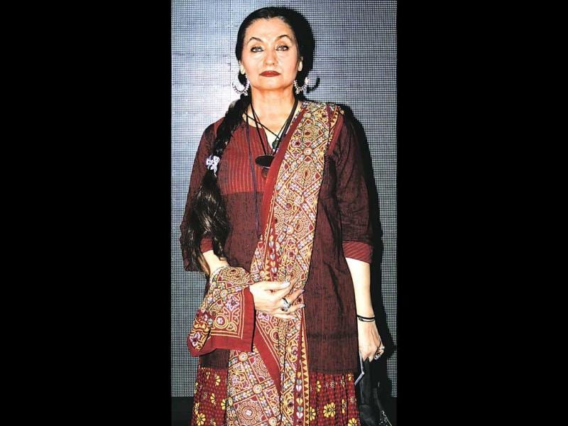 Actor Salma Agha, who's rarely seen in public, showed up at an event in Mumbai.