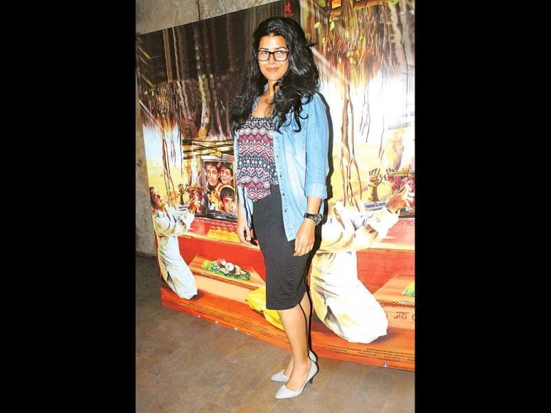The Lunchbox actor Nimrat Kaur sported a nerdy look for the evening with big and dorky specs and a denim jacket.