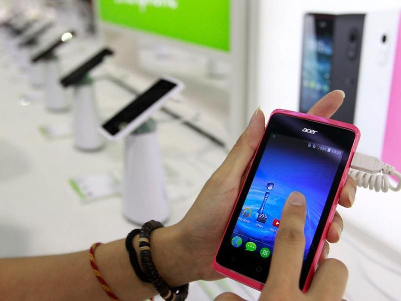 Acer's Liquid Z200 smartphone is displayed at the Acer booth during the 2014 Computex exhibition at the TWTC Nangang exhibition hall in Taipei. Photo: Reuters/Pichi Chuang
