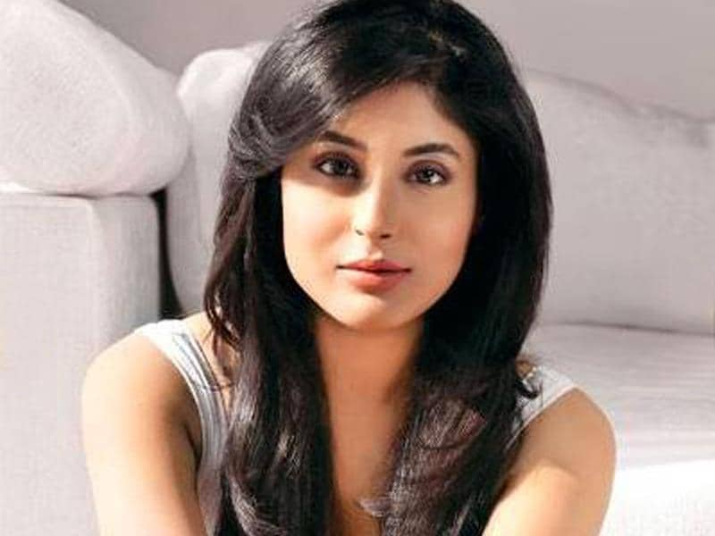 Talented TV actor Kritika Kamra is set to charm one all one with her dance moves in Jhalak Dikhhla Jaa 7. (Photo courtesy: Colors)