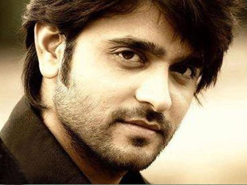 Ashish Sharma has earned a lot of praise and many a fans already. Let's see if he can continue the magic on Jhalak sets. (Photo courtesy: Colors)