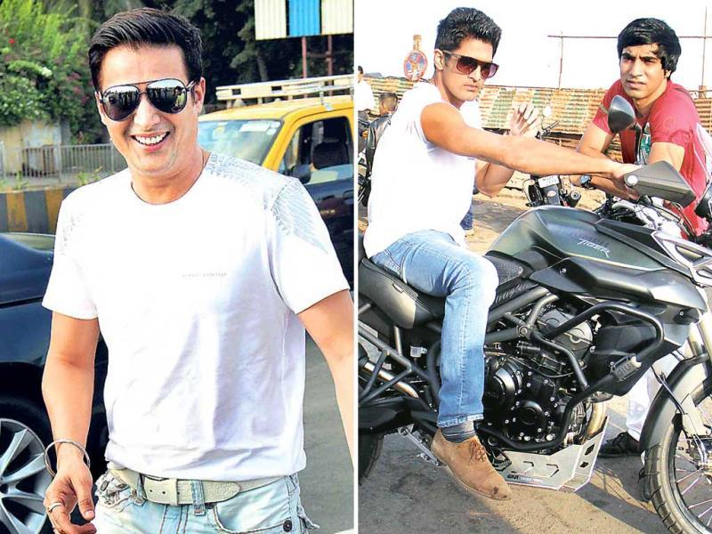 Striking a pose for the shutterbugs, the gang of boys (boxer-turned-actor Vijender Singh and actors Jimmy Sheirgill, Mohit Marwah and Arfi Lamba looked uber-cool in sunglasses as they rode the mean machines.