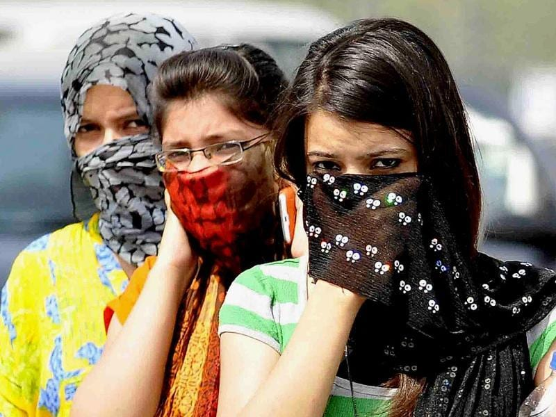 NCR on Sunday evening touched a maximum temperature of 47.8 degrees Celsius, breaking 62-year-old record. (HT Photo/Burhaan Kinu)