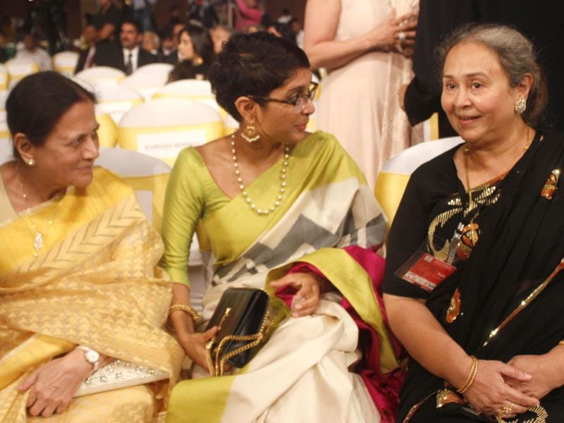 Kiran Rao with other guests.
