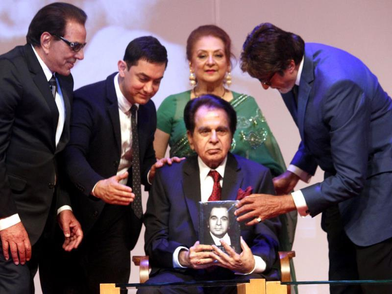 Dilip Kumar's memoirs The Substance and the Shadow was a star studded affair in Mumbai with bollywood personalities like Aamir Khan, Amitabh Bachchan and Madhuri Dixit attending. Wife Saira Banu was also by his side. All Photos: HT Photo/Prodip Guha