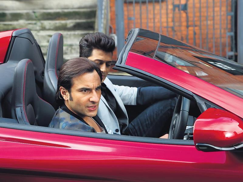 Looks like actors Saif Ali Khan and Riteish Deshmukh had a lot of fun during the shooting of their upcoming film Hamshakals in London. (HT Photo)