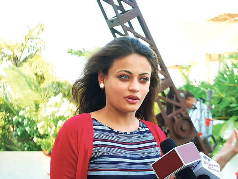 Sneha Ullal, who has been out of action for a very long time, was spotted shooting for a film with Mugdha Godse in Madh Island. (Photo: Viral Bhayani)