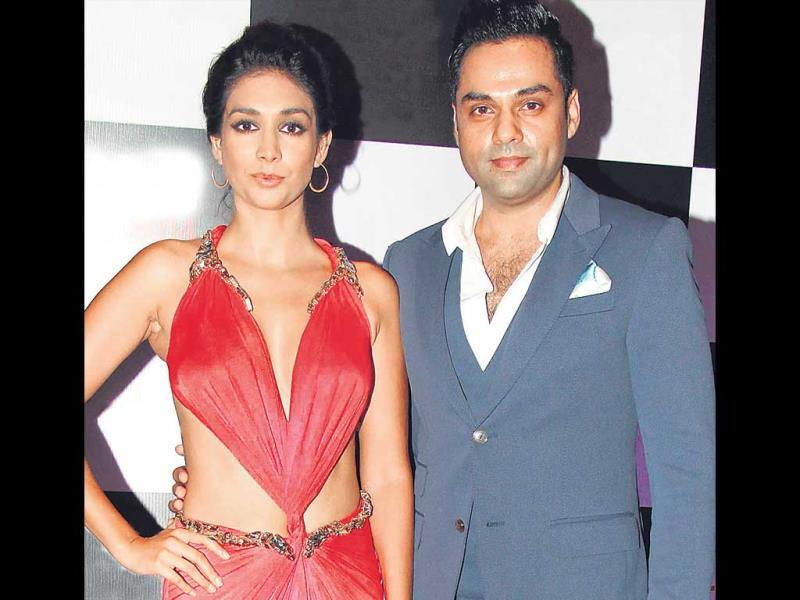 Like Shahid, Abhay Deol also kept the affair formal. He was seen with Preeti Desai. HT Photo/Yogen Shah