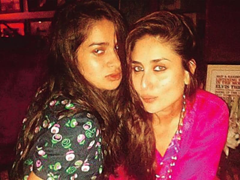 Kareena Kapoor and Tanya Gharvi pout for the camera. (Photo Courtesy: Instagram)
