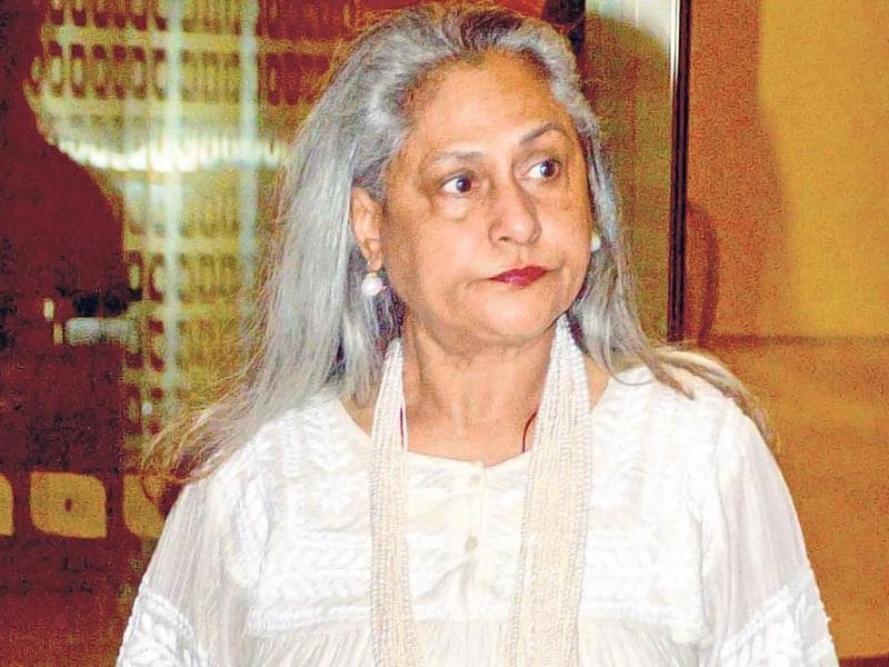 An almost unrecognisable Jaya Bachchan, in what looks like a new avatar, was seen at the Mumbai airport. (Photo: Viral Bhayani)