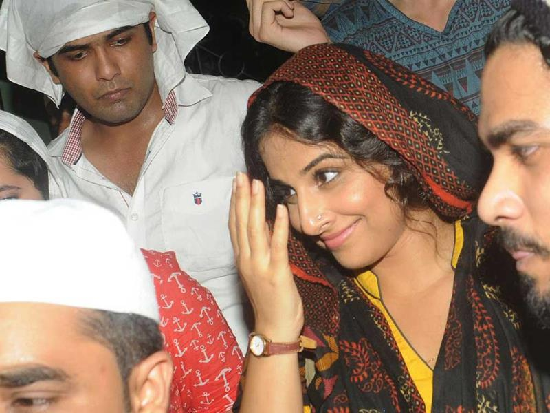 Vidya Balan was clad in Bobby Jasoos avatar with her detective bag too.