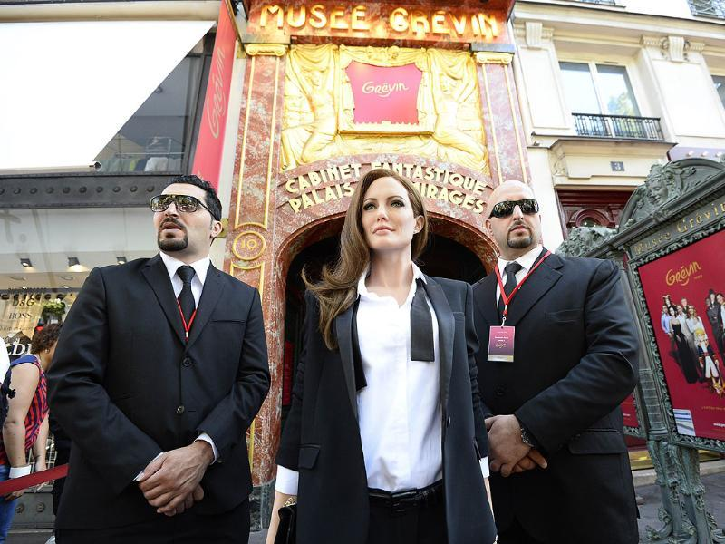 The wax likeness of US actress Angelina Jolie is unveiled outside the Grevin museum in Paris (AFP Photo)