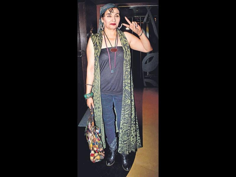 Most of us take our fashion cues from what celebs wear. But do they always get it right? This weekly column puts their looks under the scanner.The ugly: Salma Agha at a film eventOURTAKE: Nothing can justify a veteran actor… or anyone, for that matter, dressing so sloppily. What Salma was thinking, no one will know.
