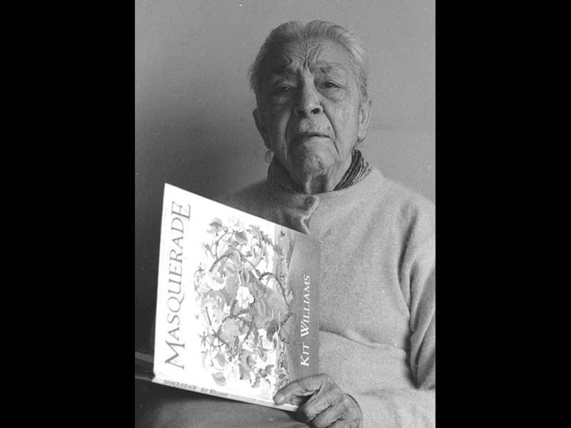 Zohra Sehgal sports a rather serious mood; file photo from 1994 (HT Photo/Dinesh Krishnan).