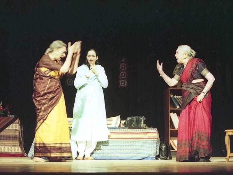 An animated Zohra Sehgal at her best during the staging of Ek Thi Nani in 2003. (HT Photo/Vipin Kumar)