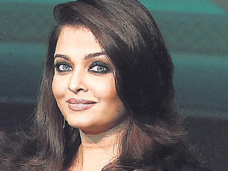 Aishwarya Rai Bachchan: Ash went to Jai Hind College for a year. She switched to Raheja College to study Architecture, but left it midway to pursue a career in modeling. Earlier, she studied at Arya Vidya Mandir High School in Mumbai.