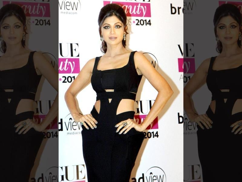 Actor Shilpa Shetty Kundra looks absolutely ravishing in black at the Vogue Beauty Awards 2014 in Mumbai. (PTI)