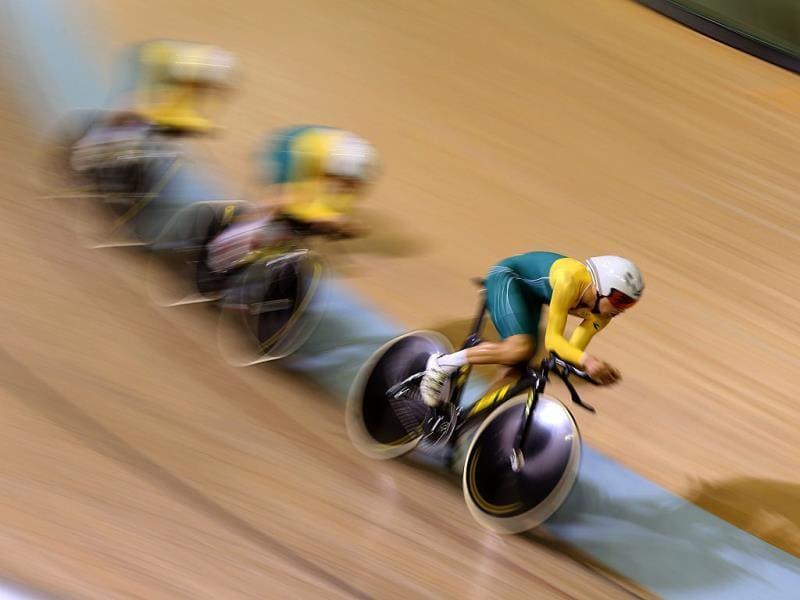 Australia's Jack Bobridge, Luke Davison, Alex Edmondson and Glenn P O'Shea compete in the men's 4000m team pursuit qualifying round in the Sir Chris Hoy Velodrome (AFP Photo)