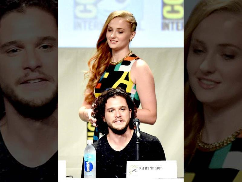 Sansa Stark (played by Sophie Turner) with her long estranged step brother Jon Snow(Kit Harrington).
