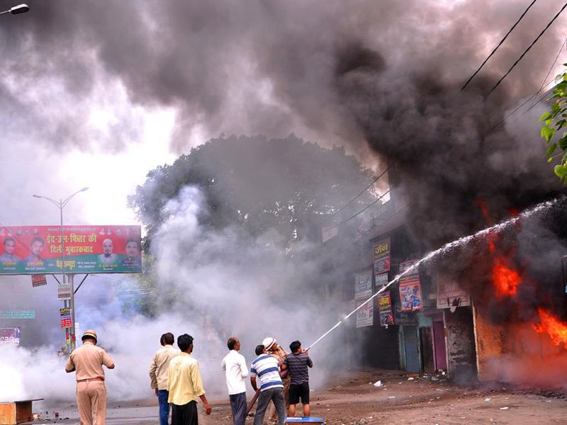 Violent clashes broke out between two communities over a land dispute in Saharanpur. (Shankar/HT photo)