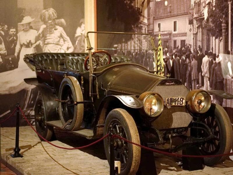 A file photo of a car in which Prince Franz Ferdinand was assassinated, on display at Vienna's Austrian Military Museum (HGM) before the upcomming 100-year anniversary of the beginning of World War I. (AFP photo)