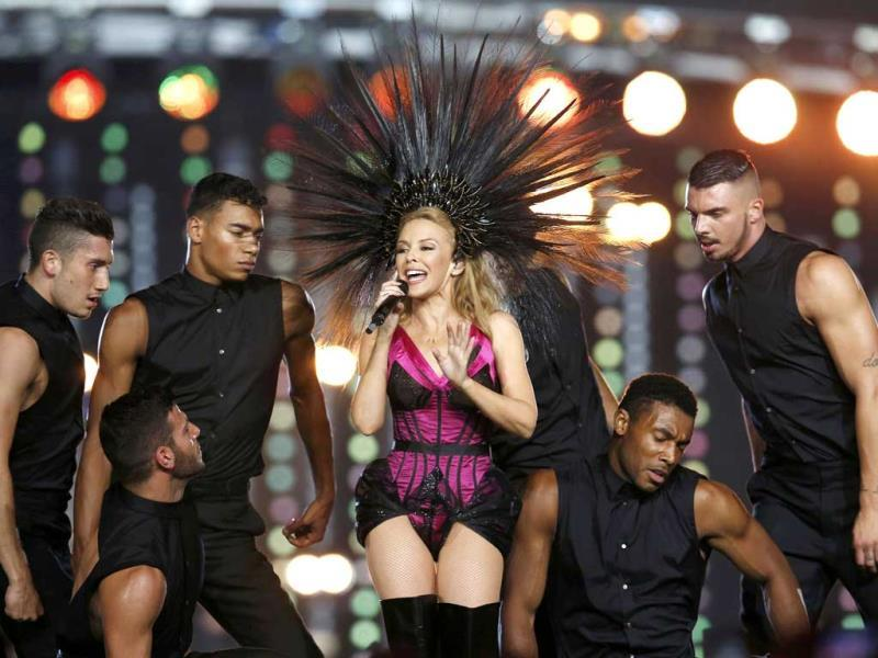 Australian singer Kylie Minogue performs during the closing ceremony of the 2014 Commonwealth Games at Hampden Park in Glasgow, Scotland. (Reuters Photo)