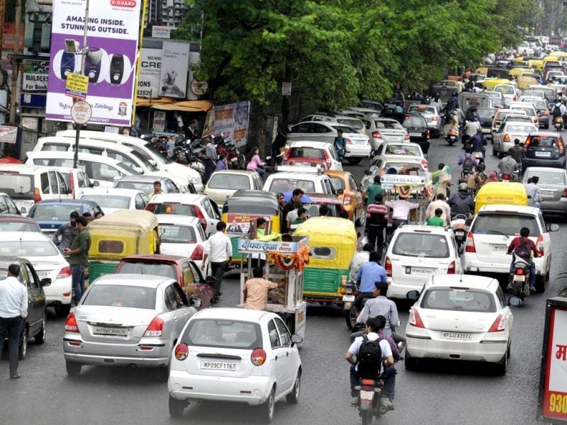 Traffic jam at MG Road in Indore as people flocked to markets to shop for Rakshabandhan. (Amit K Jaiswal/HT photo)