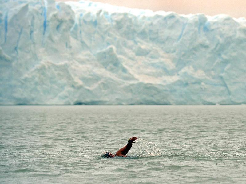 US Ranie Pearce takes part in the resistance round of the Winter Swimming Festival in front of the Perito Moreno glacier at the Argentino Lake in El Calafate, Santa Cruz province, Argentina. (AFP photo)