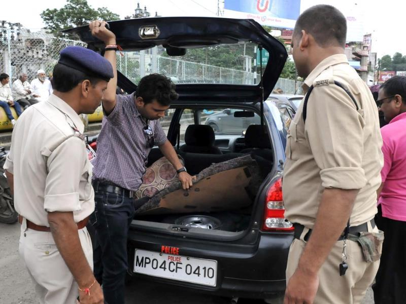 Cops conduct checking ahead of Independence Day in Bhopal. (Mujeeb Faruqui/HT photo)