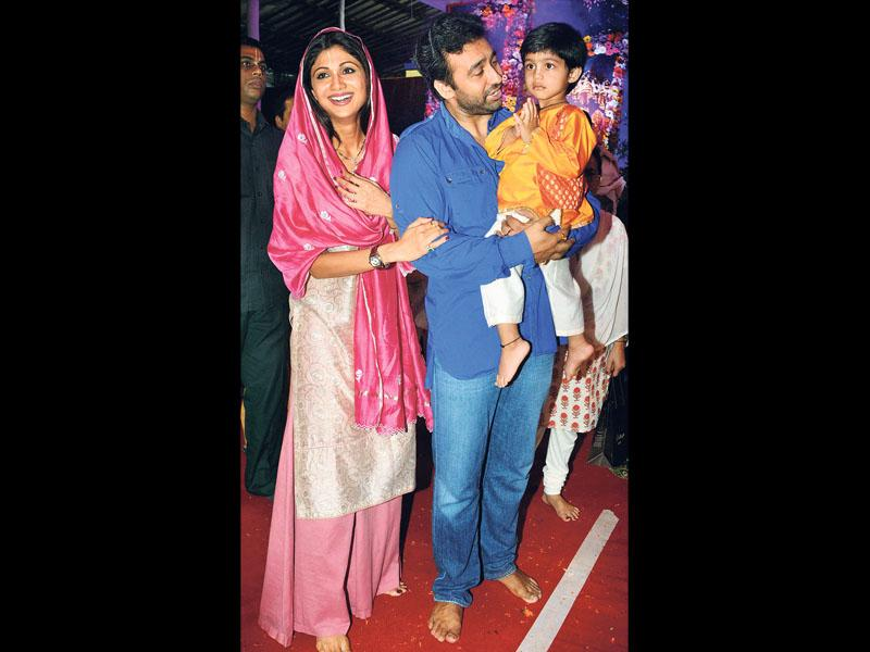 Shilpa Shetty and husband Raj Kundra (with son Viaan) also offered prayers at the same temple. (Photos: Yogen Shah)?