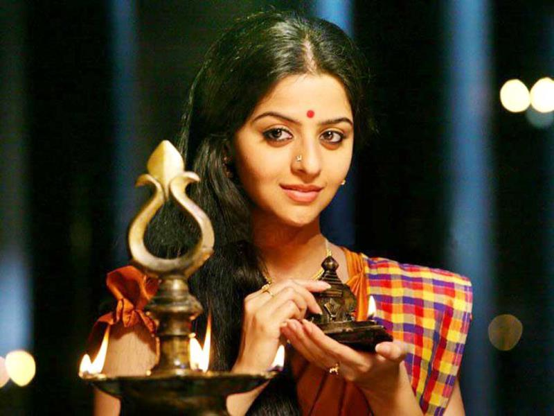 Kaaviya Thalaivan will see Vedhika Kumar as the female lead. Her character is based on stage artist and singer KB Sundarambal. (KaaviyaThalaivan/Facebook)